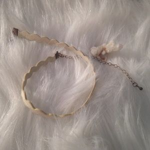 Ivory cream zig zag faux suede choker necklace